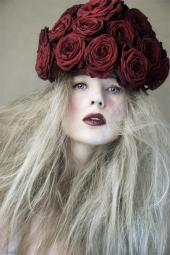 Muse - My red rose hat