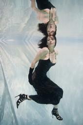 Kelly Nunn Martin - Underwater