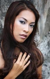 Nikki Williams - Model Merille Raagas