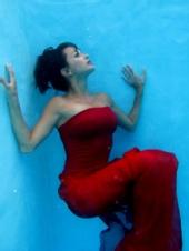 mariah serine - Underwater Ball