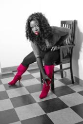 Mounique La Rae