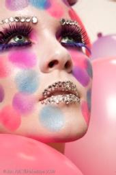 Hros make up