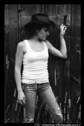 Kelly Armstrong - Country
