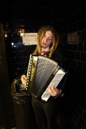 Ben - Bathroom Accordion