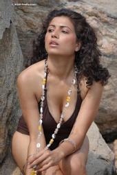 Mona Shay