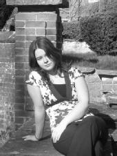 Mel - Modelling in the gardens