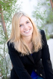 Briana Lowe - Smiling Headshot