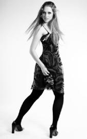 Kara Jones - Cocktail black and white