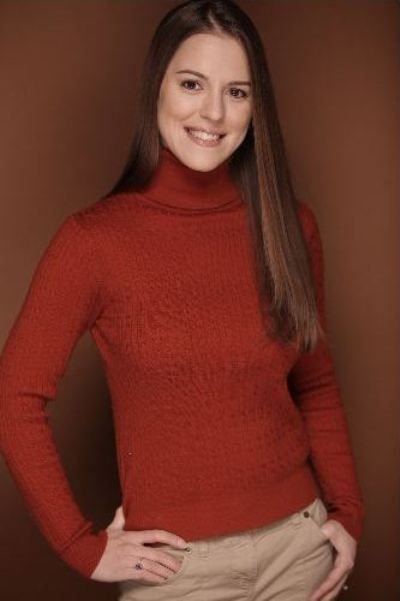 Christina Robbins - 3/4 portrait in orange
