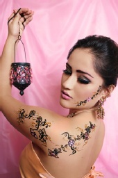 Karina Vasquez - Mehndi (body paint)