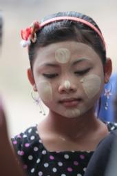 saran - Lady in Thailand