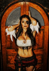 OTW Photography - Pirate
